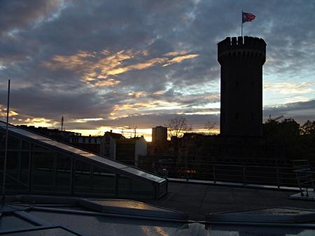 Abendstimmung auf dem Dach des Schokoladenmuseums Köln