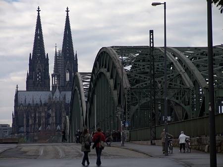 Siebengebirge vom Triangelturm aus in Köln