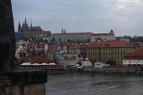 Ansicht der Prager Burg von der Karlsbrücke aus