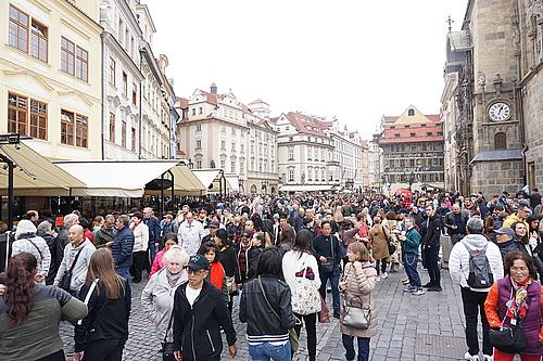 an der astronomischen Uhr in Prag