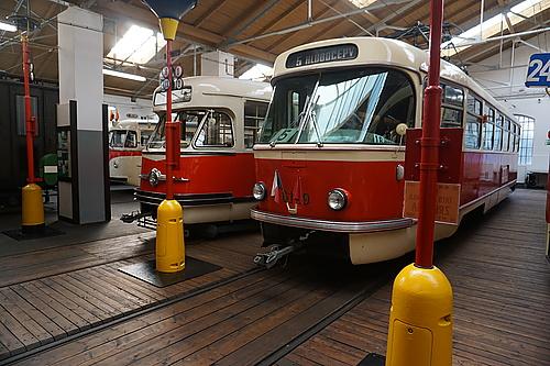 Tatra T2 und T3 im Straßenbahnmuseum Prag