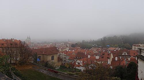 Prag im Nebel, Burg Prag