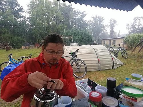 Frühstückstee im Regen