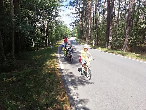 mit dem Fahrrad auf dem Froschradweg irgendwo hinter Halbendorf