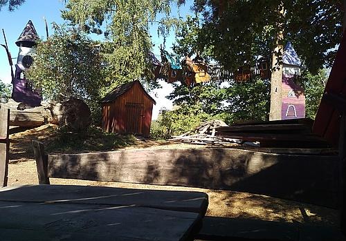 Kletterbaumhäuser in Turisede